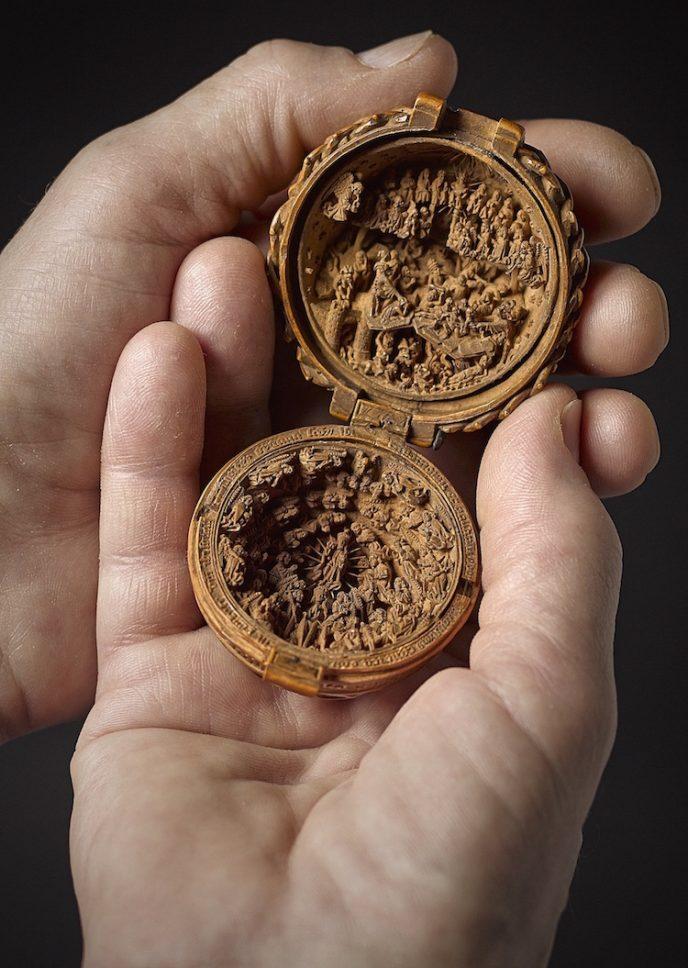 16th-century-gothic-boxwood-miniatures-small-wonders-art-gallery-of-ontario-1