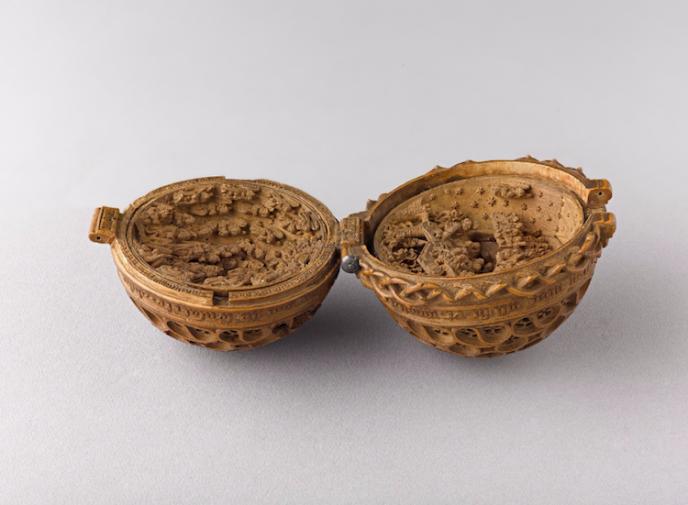 16th-century-gothic-boxwood-miniatures-small-wonders-art-gallery-of-ontario