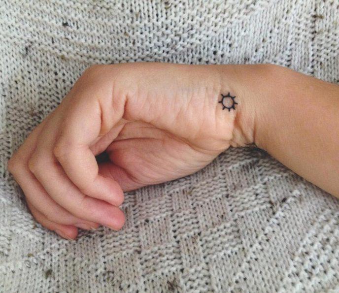 20 чувственных татуировок, которые не оставят вашего мужчину равнодушным 14
