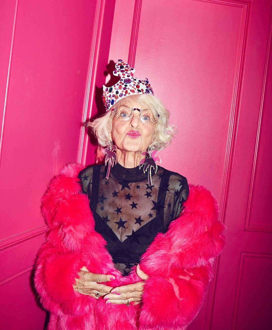 говорить, розовые старушки видео условно