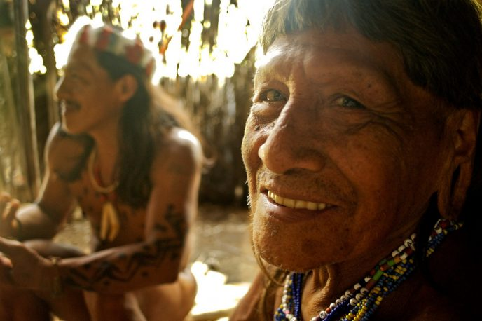 The Shaman. He visits the sick people in their own cabins, using herbs to cure sickness. Many Huaorani die from snake bikes (including Penti's mother). Quemperi rarely uses the powerful drug ayahuasca saying it is dangerous and it's not needed for the jaguar spirit to inhabit him in a trance. He describes seeing a plane for the first time: missionaries circling overhead, shouting words of peace and dropping gifts in sacks.