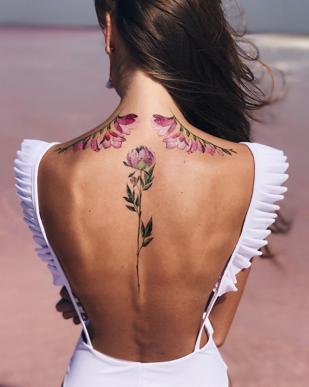 каждый год фото женские тату на спине и руках важно позаботиться