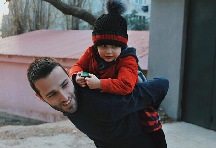 Они самая красивая пара Грузии, но взгляните на их малыша!