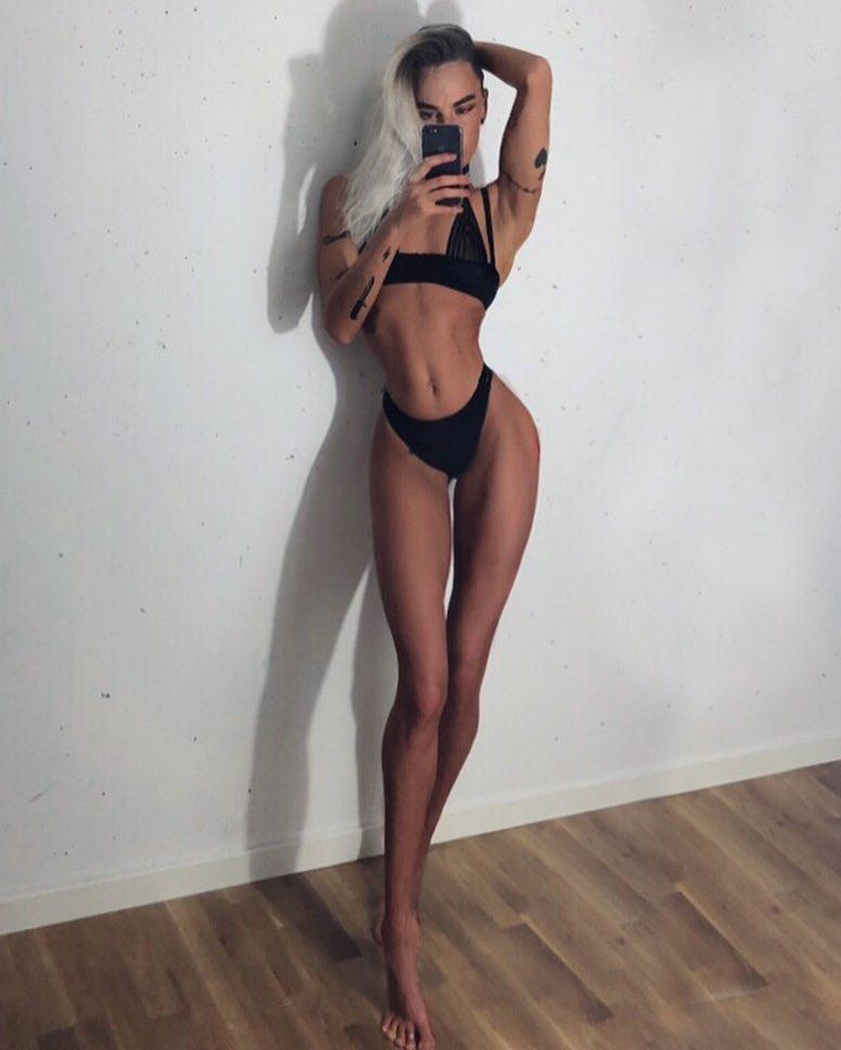длинноногая девушка худая - 14