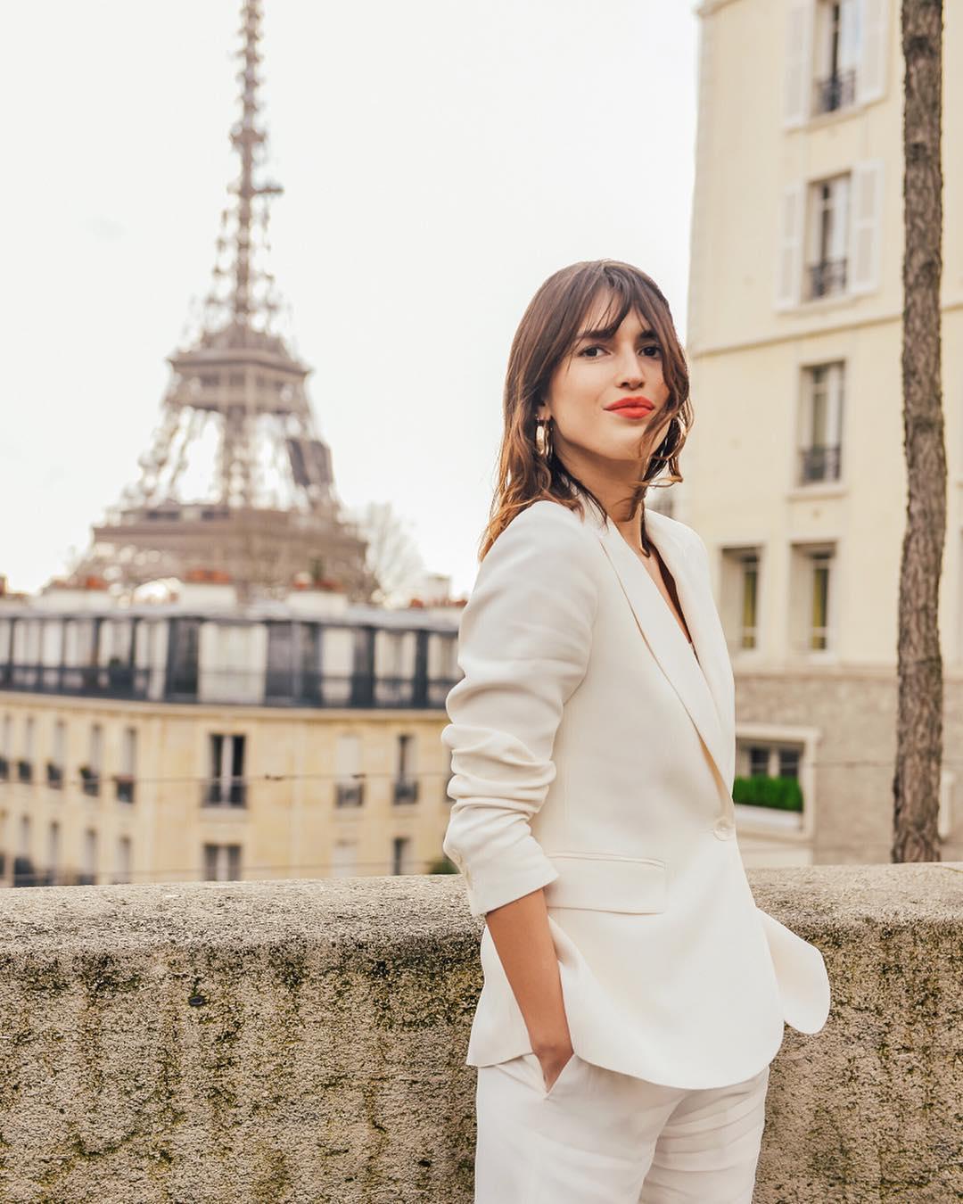 сегодняшний день жены француженки фото этом свитере