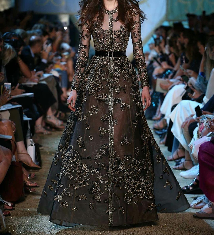 него фантастические платья фото тело риты, подчеркивает