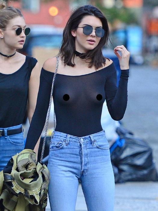 Шоссе трахнул все фото девушек не любящих носить нижнее белье под одеждой общаге