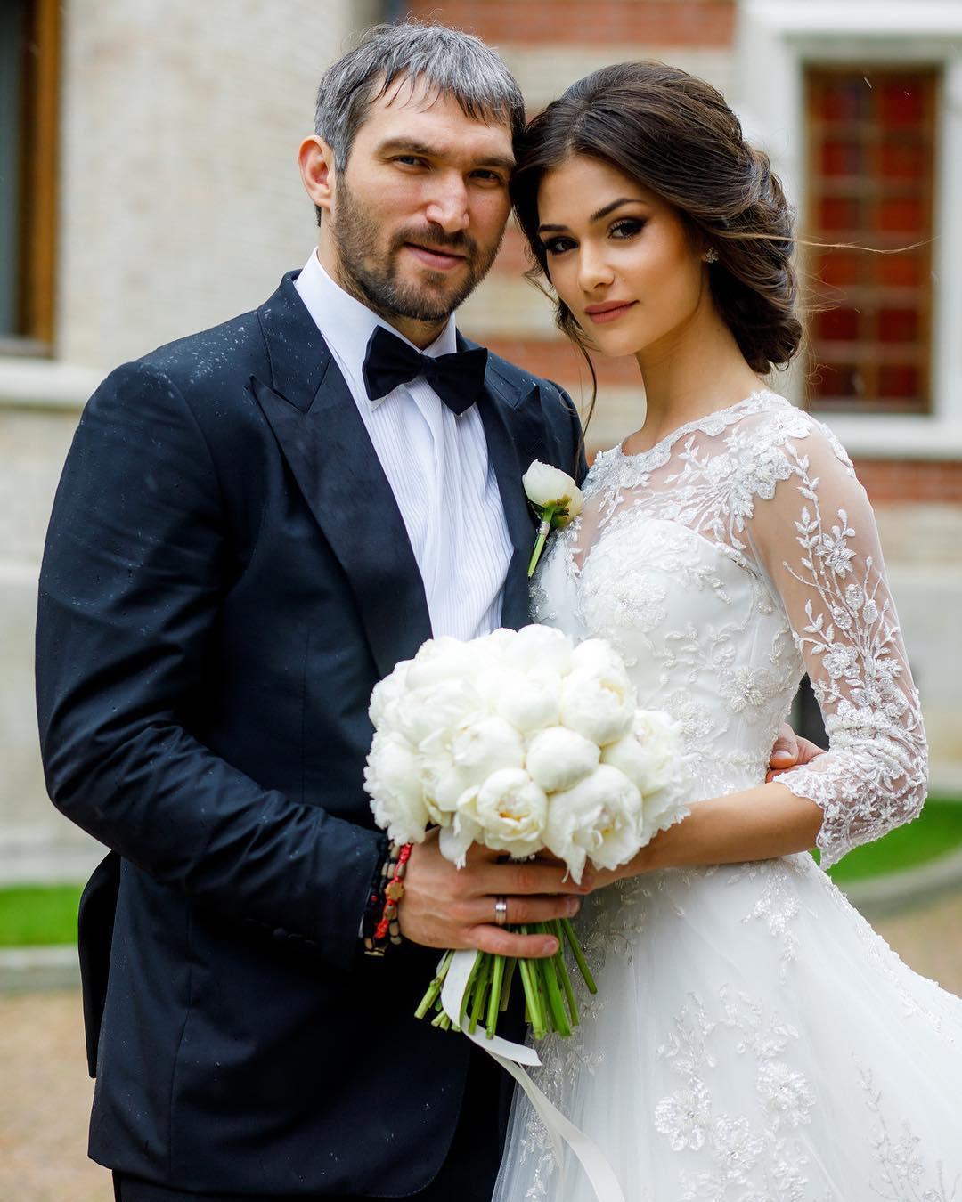 стороны совершенно на ком женился овечкин фото праздник