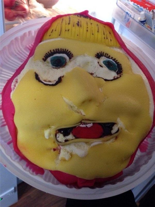 Картинки смешных тортов на лице, днем рождения олеся