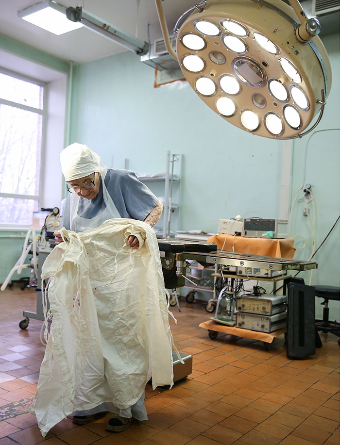 89-year-old-surgeon-alla-ilyinichna-levushkina-21