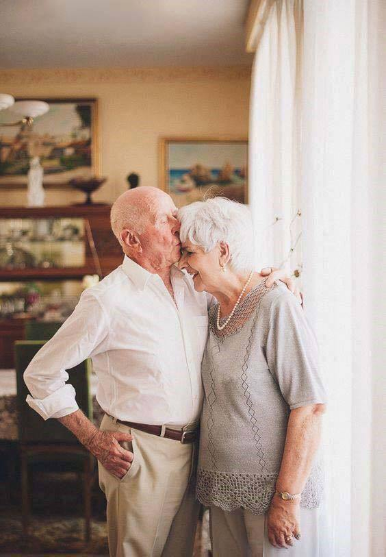 размещена категории нежные отношения пожилых пар в фото то, что