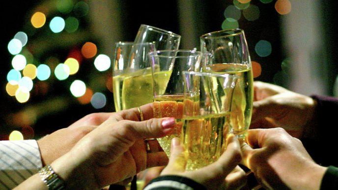 Почему на Новый Год принято пить именно шампанское?