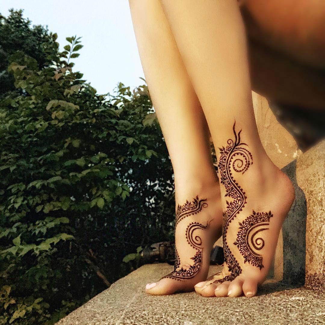 общественной рисунки из хны на ноге фото популярность