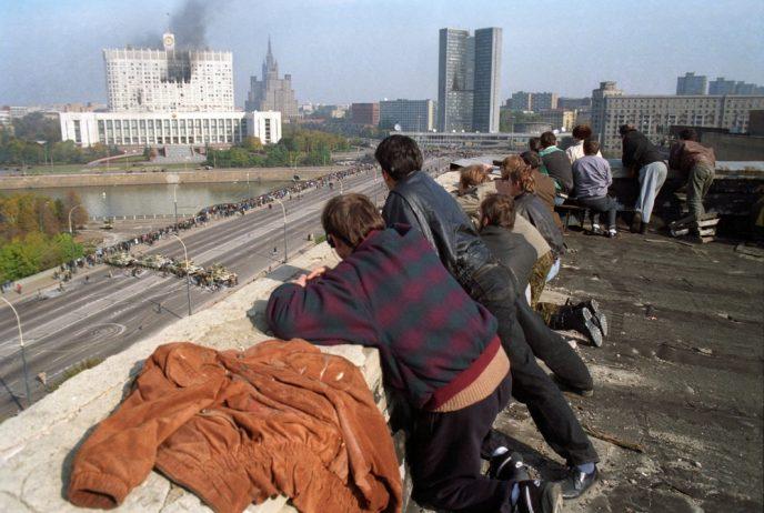 Октябрьский путч: фотографии, которые говорят о том, что на самом деле происходило 3-4 октября 1993 73