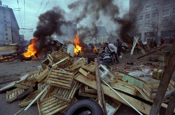 Октябрьский путч: фотографии, которые говорят о том, что на самом деле происходило 3-4 октября 1993 60