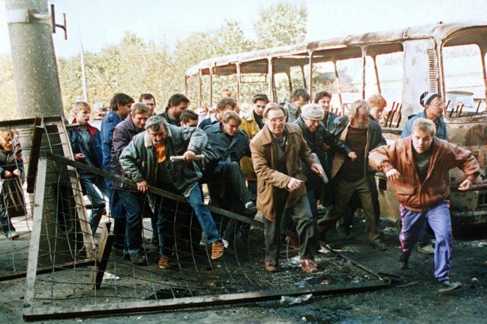 Октябрьский путч: фотографии, которые говорят о том, что на самом деле происходило 3-4 октября 1993 61