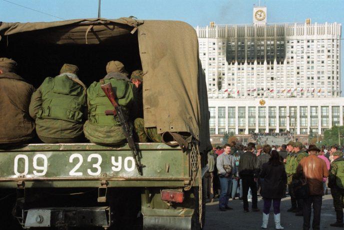 Октябрьский путч: фотографии, которые говорят о том, что на самом деле происходило 3-4 октября 1993 62