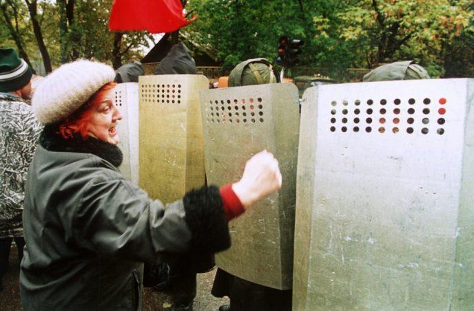 Октябрьский путч: фотографии, которые говорят о том, что на самом деле происходило 3-4 октября 1993 63