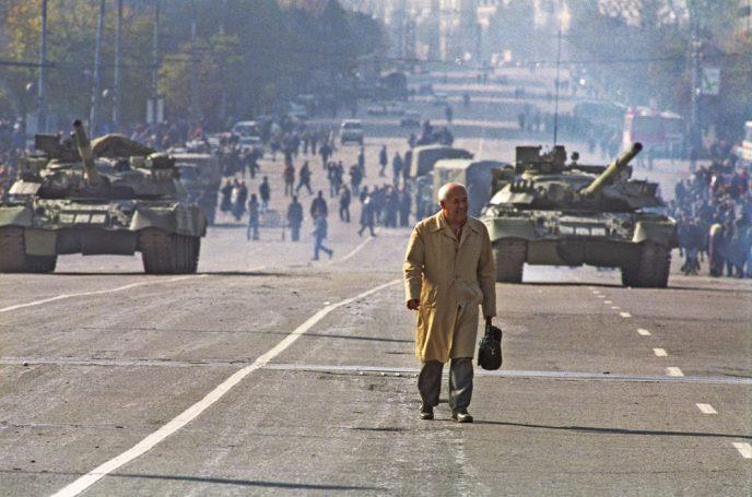 Октябрьский путч: фотографии, которые говорят о том, что на самом деле происходило 3-4 октября 1993 65