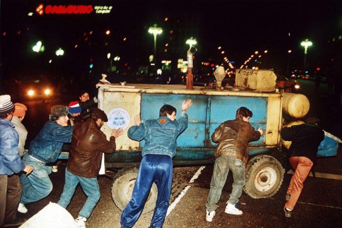 Октябрьский путч: фотографии, которые говорят о том, что на самом деле происходило 3-4 октября 1993 67