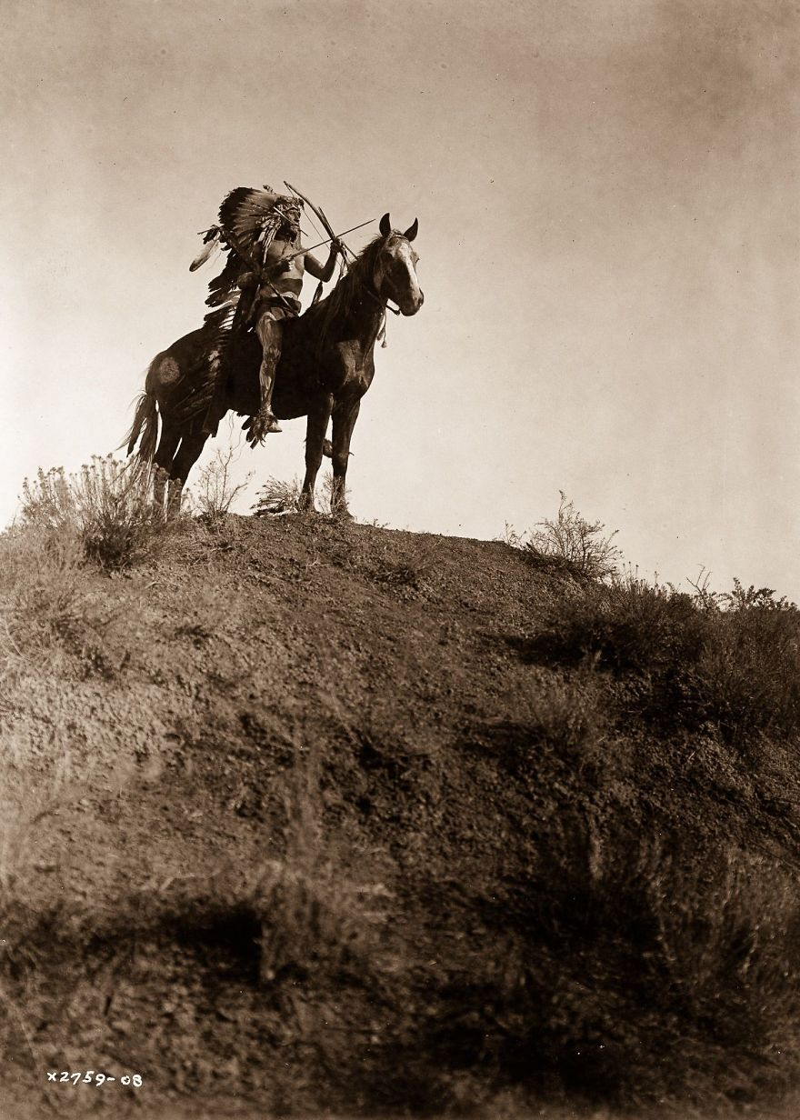 native-americans-photos-edward-sheriff-curtis-32-586df5f2dab77__880