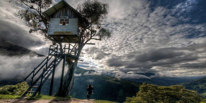 tree-house-banos-ecuador