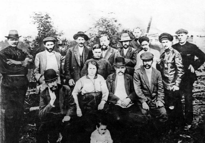 Редкие исторические кадры: Молодой Иосиф Сталин на фотографиях 1894-1919 гг. 10