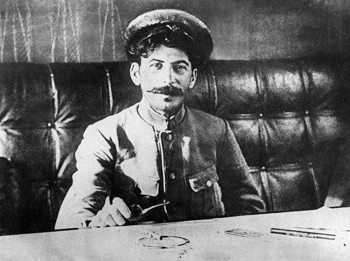 Редкие исторические кадры: Молодой Иосиф Сталин на фотографиях 1894-1919 гг. 12
