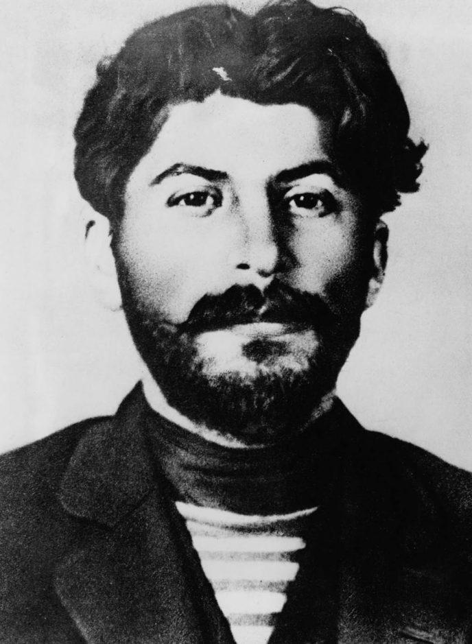 Редкие исторические кадры: Молодой Иосиф Сталин на фотографиях 1894-1919 гг. 7