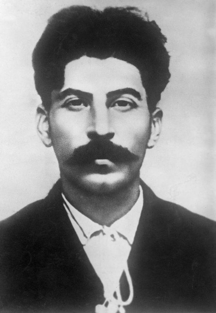 Редкие исторические кадры: Молодой Иосиф Сталин на фотографиях 1894-1919 гг. 8